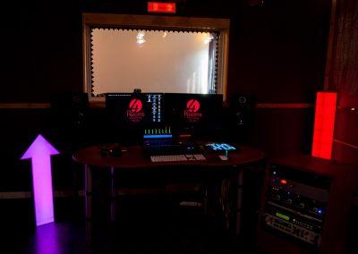 Vista panorámica del Control de 4 Rooms Studio